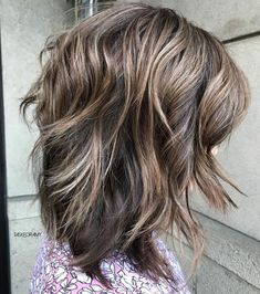 Mid-Length Choppy Cut for Thick Hair Curly Shag Haircut, Modern Shag Haircut, Haircut For Thick Hair, Hair Shag, Medium Shag Hairstyles, Choppy Bob Hairstyles, Long Face Hairstyles, Funky Hairstyles, Wedding Hairstyles