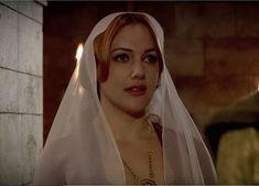 "Hürrem Sultan - Magnificent Century - ""Good and Bad News"" Season Episode 16 Meryem Uzerli, Gold And Black Dress, Ottoman Empire, Classic Beauty, Vintage Beauty, Lgbt, Oc, Nalu, Actors"