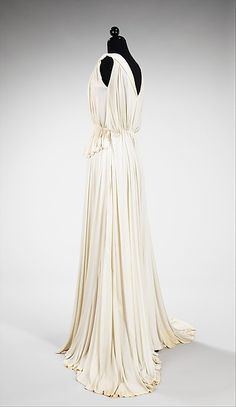 Evening dress (image 2) | Madame Grès (Alix Barton) | French | 1937 | silk | Brooklyn Museum Costume Collection at The Metropolitan Museum of Art | Accession Number: 2009.300.1174