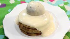 Sabayon met pannenkoeken en ijs van rode vruchten | VTM Koken
