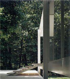 Architectural Guidance: The Farnsworth House By Mies van der Rohe Unique Architecture, Residential Architecture, Landscape Architecture, Interior Architecture, Interior Design, Bauhaus, Casa Farnsworth, Illinois, Walter Gropius