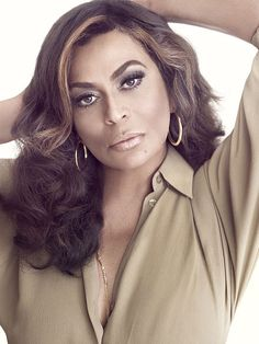 Tina Knowles (b jan), Fashion designer, and mother of R singers Beyoncé and Solange Knowles Tina Knowles, Beyonce Knowles, Beautiful Black Women, Beautiful People, Simply Beautiful, Beyonce Family, Aging Gracefully, Blonde Highlights, Black