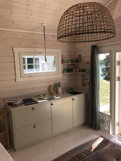 Attefallshus Oliver - Vackert attefallshus på 24 kvm | Polhus Party Shed, House, Home, Compact Living, Apartment, Guest House, Kitchen, Tiny House, Vacation Home
