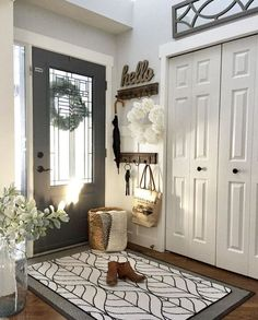 Cool 100 Stunning Rustic Entryway Decorating Ideas https://besideroom.co/100-stunning-rustic-entryway-decorating-ideas/