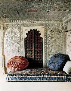 Moroccan Bedroom @ Pin Your Home Moroccan Design, Moroccan Decor, Moroccan Style, Moroccan Furniture, Moroccan Pouf, Indian Style, Moroccan Bedroom, Indian Bedroom, Moroccan Interiors