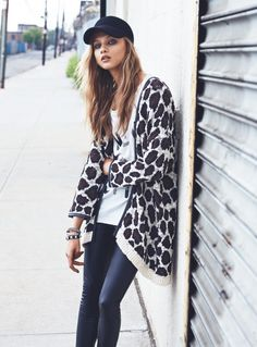 Russian fashion model Anna Selezneva is tapped for Mango Fall 2013 Catalogue, photographed by Lachlan Bailey. Spanish brand features denim for fall 2013 season. Blue Skinny Jeans Outfit, Anna Selezneva, Cardigan Long, Cozy Winter Outfits, Russian Fashion, Mango Fashion, Coats For Women, Fashion Models, Cool Outfits