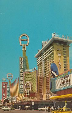 Fremont Street at Second Street - Las Vegas, Nevada vintage photo / postcard ~ Horseshoe Casino, The Mint --Liberace playing in the Sky Room (see sign) Vegas Casino, Las Vegas Nevada, Vegas Fun, Casino Hotel, Long Beach Los Angeles, Fremont Street, Vintage Neon Signs, Old Signs, Futuristic Architecture
