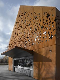 Rhine Falls Visitor Center / Leuppi  Schafroth Architekten
