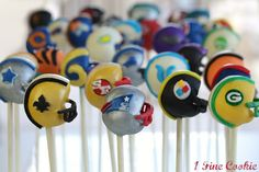 Score a touchdown at your next NFL Sunday gathering or Super Bowl party with a batch of Spirited Football Helmet Cake Pops. This cake pop recipe has instructions for each and every NFL team, from the Chicago Bears to the Tennessee Titans. Football Helmet Cake, Football Cake Pops, Football Snacks, Football Recipes, Football Tailgate, Seahawks Football, Party Platters, Cute Cupcakes, Cupcake Cookies