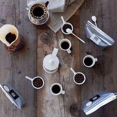 Different ways different tastes One of the reasons why we enjoy coffee! コーヒーをいろいろな入れ方で飲み比べ豆の種類入れ方で自分の好みを見つけたりするのもまた楽しい #chemex #kalita #bodum #arabiafinland