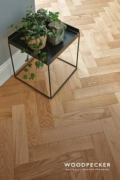Skip along the traditional artistry and timeless elegance of this Natural Oak parquet floor. Get a free sample.