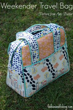 Today is day three of Selfish Sewing Week and I am so excited to FINALLY be  posting my Amy Butler Weekender Bag. I finished on Sunday night, after  having ...