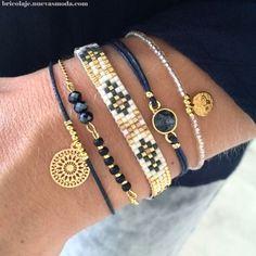 Winter Bracelet Set with gold & dark blue - © Loom Bracelet Patterns, Bead Loom Bracelets, Bracelet Set, Jewelry Bracelets, Jewelery, Cute Jewelry, Jewelry Crafts, Beaded Jewelry, Handmade Jewelry