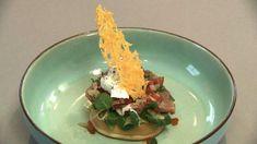 Geroosterde beschuitbol met beleg (45) Decorative Plates, Eggs, Breakfast, Ethnic Recipes, Food, Morning Coffee, Essen, Egg, Meals