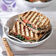 Cheese, spinach, tomato and bacon toastie - 8 pro points Feel Good Food, I Love Food, Weight Watchers Lunches, Sandwiches, Healthy Recepies, Go For It, Weird Food, Vegetarian Recipes, Meal Recipes