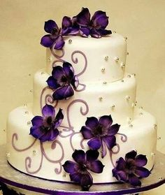 40 glamorous dark purple wedding inspirational ideas fall wedding, perfect wedding, our wedding, Dark Purple Wedding, Purple Wedding Cakes, Wedding Flowers, Cake Wedding, Purple Cakes, Wedding Colors, Wedding Ideas Purple, Yellow Wedding, Party Wedding