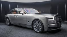The New Rolls Royce Phantom The new Phantom 8 completely redefines luxury; the car is truly a piece of rolling art. Naturally, the build quality is what you'd expect from a Rolls Royce, flawless. Auto Rolls Royce, Rolls Royce 2018, Bugatti, New Rolls Royce Phantom, Mercedez Benz, Best Classic Cars, Used Cars, Luxury Cars, Luxury Auto
