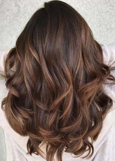Perfect Smooth Caramel Balayage hair color for the year 2018 - Frisuren, Haarfarben Ashy Blonde Balayage, Brown Hair With Blonde Highlights, Hair Color Highlights, Ombre Hair Color, Hair Color Balayage, Brown Hair Colors, Brown Hair Caramel Balayage, Caramel Hair With Brown, Curly Hair