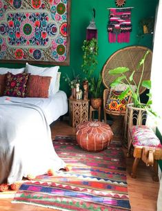 37 Ideas Bedroom Boho Style Apartment Therapy For 2019 Bohemian Bedrooms, Bohemian Room, Boho Living Room, Living Rooms, Gypsy Bedroom, Bohemian Interior, Pouf Cuir, Pouf Ottoman, My New Room
