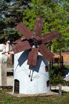 Minion, Wonderful Places, Hungary, Bird, Outdoor Decor, Home Decor, Decoration Home, Room Decor, Birds