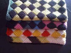 Baby Barn, Anna, Friendship Bracelets, Crochet Projects, Knit Crochet, Blanket, Haken Baby, Knitting, Knit Sweaters