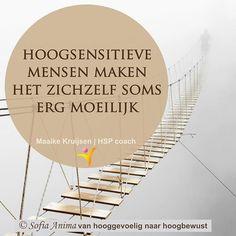 Met name door allerlei gepieker. Waar komt dit vandaan? Hoe kom ik over? Wat is nu de beste oplossing? Kijk eens of je het leven iets simpeler kunt maken voor jezelf. Je hoeft niet altijd overal een oplossing voor te hebben, te snappen waar het allemaal precies vandaan komt of te weten hoe te handelen. .  Vaak heb je tijd nodig om dingen te laten bezinken.  #hsp #hooggevoelig #hoogsensitief #hspcoach #sensitief
