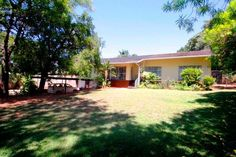 House for sale in West Acres - 3 bedroom 13596256  4-8  Basie Botha