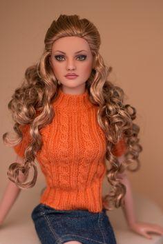 fashion doll, repaint by Jewelianne