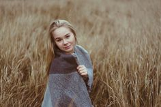 www.fotos.popp-media.de  nature portrait woman girl young adult photography moody portraitphotography forest beauty photographer outdoor folk