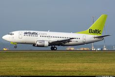 Boeing 737-522 aircraft picture