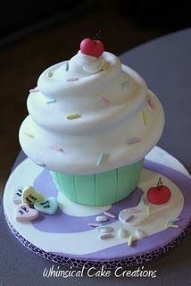 Fun & #Cute giant #Cupcake! We love and had to share! Great #CakeDecorating!