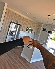 ideas apartment goals couple pictures for 2019 Couples First Apartment, First Apartment Decorating, First Home Pictures, Couple Pictures, Apartment Goals, Apartment Living, Apartment Ideas, 1st Apartment, York Apartment