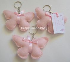 Butterfly stitched Felt key chain (could be used as party favor)Would be a cute charm for a book bag or could be used as a key ring.I see a baby mobile Felt Diy, Felt Crafts, Diy And Crafts, Crafts For Kids, Felt Keychain, Felt Patterns, Felt Fabric, Felt Dolls, Felt Ornaments
