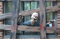 Scary Halloween Window Decoration Ideas That You Need To Do Spooky Halloween, Halloween Party, Halloween Ideas, Reddit Halloween, Victorian Halloween, Halloween Goodies, Halloween 2017, Spirit Halloween, Halloween Stuff