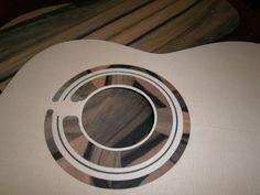 Guitarras - Guitarras Berciano Guitar Art, Acoustic Guitar, Classical Guitar, Ukulele, Vacuums, Tapas, Workshop, Decoration, Design