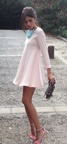 55 Trending And High Casual Summer Outfits Of Fashionista : Maria Turiel Casual Summer Outfits, Stylish Outfits, Spring Outfits, Coral Maxi Dresses, Blush Dresses, Nude Jumpsuits, Ootd, Dress With Sneakers, Long Sleeve Mini Dress