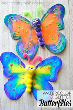 This gorgeous butterfly craft makes a great spring kids craft, insect craft for kids, preschool kids craft, fun kids crafts and spring activities for kids. #artsandcraftsideasforkids,