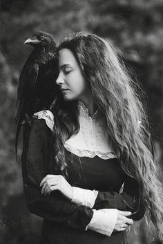 (SN) * by Olga Barantseva on Crow Art, Raven Art, Gothic Aesthetic, Witch Aesthetic, Foto Fantasy, Dark Fantasy, Bild Girls, Medieval Witch, Dark Witch