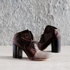 New to 124 from Ixos.  Very limited stock.  #124sheoes #124sydney #ixosshoes #ixos #womensshoes #heels #italianshoes #madeinitaly #shoestagram #shoegasm #newarrivals #artisan