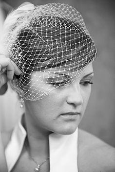Bride with birdcage vel