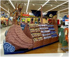 Retail Point of Purchase Design | POP Design | Toys & Games POP | Walmart - Pirate Ship Mega Spectacular