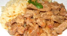 Cut the beef into strips of inch/ 5 mm thickness, and 2 cm in length. Sauté the onion in the oil until golden. Cookbook Recipes, Pork Recipes, Diet Recipes, Cooking Recipes, Hungarian Recipes, Russian Recipes, Pork Dishes, Quick Meals, Entrees