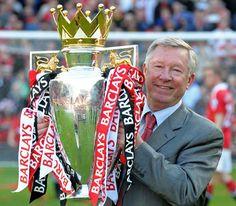 Entre sus marcas más importantes destaca como el segundo entrenador que más tiempo ha aguantado al frente del mismo equipo, más de 26 años desde que llegó a Old Trafford en 1986, según los registros de la UEFA, y en toda su carrera ha ganado 49 trofeos.