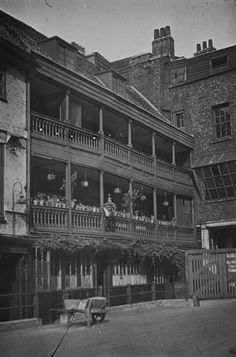 The George Inn, Southwark. The George Inn survives as one of London's last remaining medieval coaching Inns that Dickens refers to in Little Dorrit and would have visited himself. Victorian London, Vintage London, Old London, Victorian Era, Victorian Photos, Victorian Ladies, Edwardian Era, London History, British History