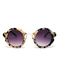 Imagen 2 de Gafas de sol de acetato hechas a mano con detalle en la nariz y en las esquinas de ASOS