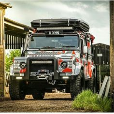 @ach_special_vehicles #landrover #landroverdefender #defender #defender110 #land_rover_defender #defender90 #rangerover #Silverstone #wrap #carlifestyle #carswithoutlimits #madwhips #blacklist #tuned #tuning #England #English #British #auto #automotive