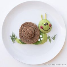 "Turbo from ""Turbo - Little Snail""- Turbo aus ""Turbo – Kleine Schnecke"" Turbo from ""Turbo – Little Snail"" - Cute Snacks, Cute Food, Good Food, Yummy Food, Toddler Meals, Kids Meals, Kreative Snacks, Food Art For Kids, Food Artists"