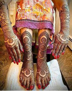 The Latest Bridal Mehndi/Henna Design Trends To Follow | Glossnglitters Arabic Bridal Mehndi Designs, Wedding Henna Designs, Indian Henna Designs, Full Mehndi Designs, Mehndi Designs Feet, Stylish Mehndi Designs, Mehndi Designs For Girls, Mehndi Design Photos, Beautiful Mehndi Design
