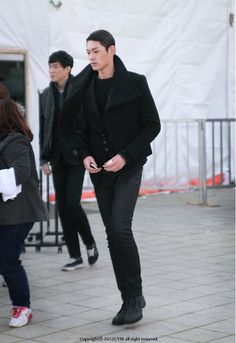 12/13 FW Seoul Fashion Week Street Fashion of Models  Where : Olympic park, Seoul