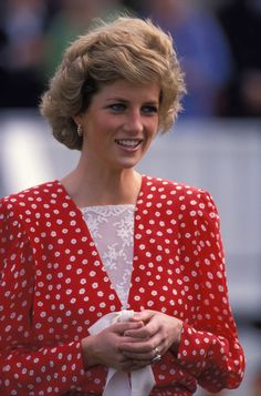 Prince Charles, Princes Diana, Wearing A Hat, Lady Diana, Princess Of Wales, Royalty, Pure Products, How To Wear, British Monarchy